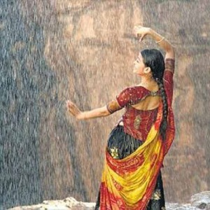 What's a monsoon image gallery without a Bollywood rain song?